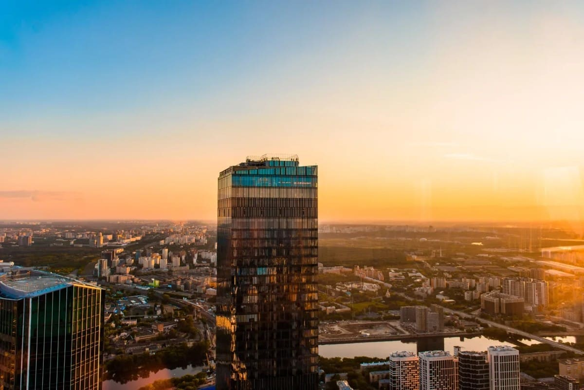 Посмотреть на закат в Москва-Сити